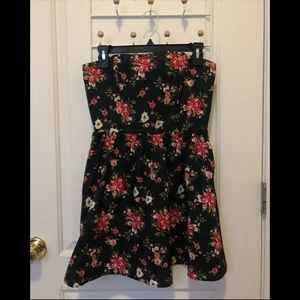 Floral corseted strapless mini dress